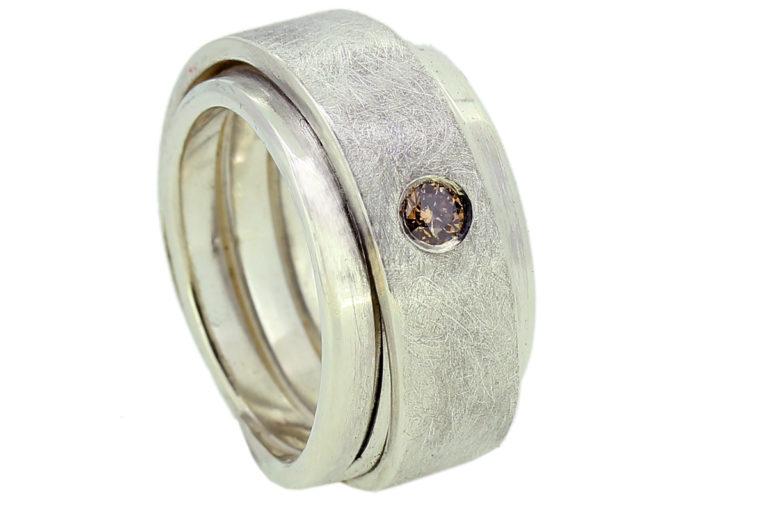 Breiter Silberring, Bandring mit braunem Brillant