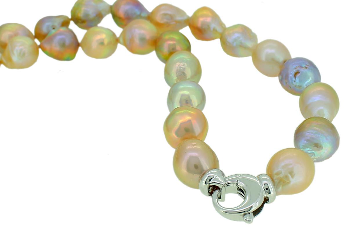 Perlenkette mit Silberschließe