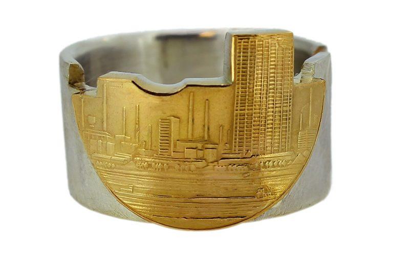 Ring mit Leverkusen Skyline aus Goldmünze 150 Jahre Bayer